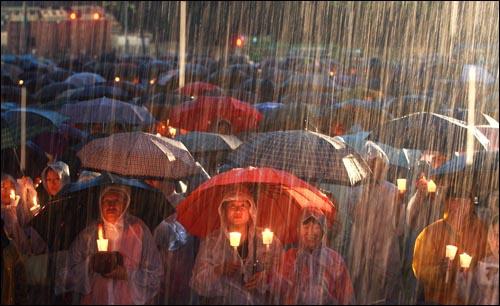 성난 촛불 선거로 심판하다